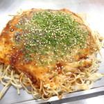 てっぺん - 料理写真:「お好み焼き」(税別700円)