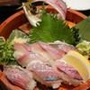 にぎり長次郎 - 料理写真:泳がせアジ1匹握り