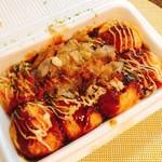 てこや - 料理写真:たこ焼き6個(300円)