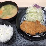 松のや - ロースかつ定食(味噌汁→とん汁)