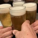 112435610 - 乾杯♪ 先ずは生ビールで乾杯となる。さあ、1次会 までの愉しい一時を 4名 で過ごそう。乾杯写真の撮影時間を見ると、16:30.15 と、正に予定通りの開会となった。(笑´∀`)