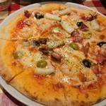 イタリア食堂TOKABO - ピザナポレターナ1050円