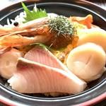 112441838 - 海鮮丼 ドアップ