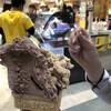 道の駅 貞光ゆうゆう館 - 料理写真:チョコアーモンドとコーヒー牛乳。行列のできるお店