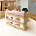 ラマルク - ラズベリーと桃のショートケーキ