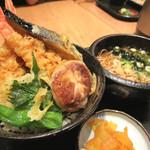 そば処けん徳 - 天丼+小蕎麦のセット(980円+税)
