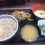 Yoshinoya - 牛皿麦とろ御膳定食。630円