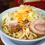 らーめん 玄 - 小ラーメン750円 ニンニク・ラー油
