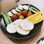 塩ホルモンさとう - 野菜盛り合わせ