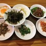 サランチェ - 料理写真:ビビンバの混ぜる具材