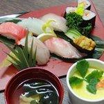 玄洋食堂 - 寿司職人が握ったお寿司と茶碗蒸し、お吸い物のセット(980円)です。<1日限定10食>