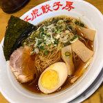 紅虎餃子房 - ムスメ1号は「らーめん(醤油)」(780円+税)。