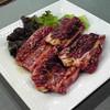 焼肉里味亭 - 料理写真:骨付きカルビ