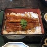 かに政宗 - 料理写真:うな重御膳¥1800:香ばしさはあまり無いけど、ふっくらで食べ応えもあり。タッチパネル注文から5分くらいで出てきますので、時間が無いけど鰻が食べたい人に。