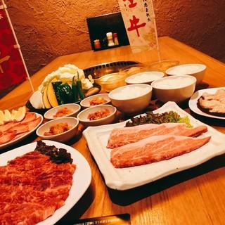 """個性豊かな顔ぶれに通も納得。""""肉""""と合わせるのは【日本酒】で"""