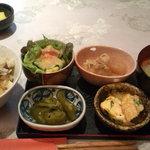 おうちカフェ 樹林 - サラダと前菜小鉢2