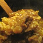 浪花うどん 満永 - 小盛の白ご飯が無料で付きます。麺を食べ終えて余ったカレー餡にご飯を入れて頂きます。