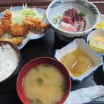 金彦魚店 - 料理写真:刺し身とフライの定食1000円