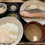112522843 - 生鮭塩ふり定食