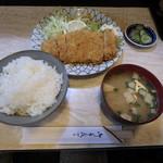 美濃 - 料理写真:ロースカツ定食¥950