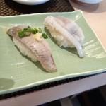 江戸前 びっくり寿司 - 単品の鰯と剣先イカ生げそ