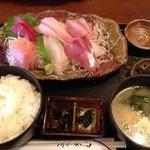 松よし - お刺身定食1200円