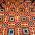 BISTRO L'Assiette - タイルを敷き詰めた床