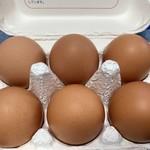 グリーンマート - 大きな赤玉の卵です!!