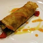 ビストロ アギャット - 仔羊グリルの有機野菜のサラダ  米粉のクレープ包み