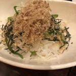 九州ダイニング さくらみち - おかかたっぷり玉ねぎサラダ