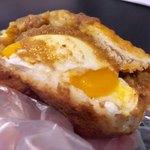 ボン クール - 半熟卵カレーパン 270円