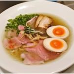 麺や 庄の gotsubo - 塩らーめん(特製) 1090円 牡蠣出汁の生きた仕上がりです。
