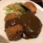 グリル国 - 料理写真:カニクリームコロッケとハンバーグ定食