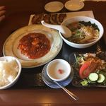 蘭華 - 料理写真:チョイスセット1200円と焼き餃子324円。