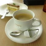 エスカルゴ - ホットコーヒー