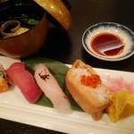 一の屋 - お寿司盛り合わせ