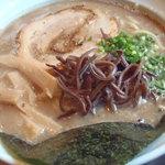 麺や辰 - 魚介とんこつラーメンンの中盛り(780円)。