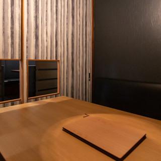 大人のくつろぎ空間-完全個室もございます‐