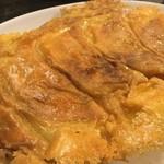 Gyouzanoantei - チーズ羽根付餃子