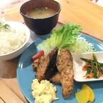 ジオカフェ - カツオフライ定食500円