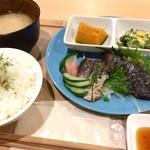 ジオカフェ - スマガツオのたたき定食700円