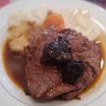 パザパ - 鶏もも肉赤ワイン煮