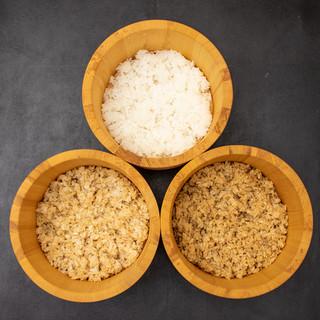 産地に足を運び選び抜いたこだわりの三種の米と3種の酢。