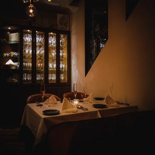本場イタリアの雰囲気を表現した内装とサービス