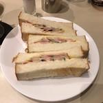 喫茶室ルノアール - ハムトースト