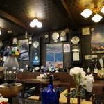 長崎亭 - (2019/5月)原爆投下時刻の時計がたくさんの店内