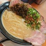 112597426 - 高菜と肉味噌イン!