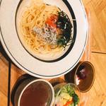 ハンズカフェ - 料理写真:明太子とシラスの和風パスタ
