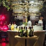 ESOLA  - 素敵なワインコーナー