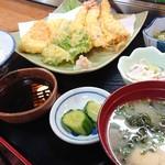 水天 - 料理写真:天ぷら定食(車エビ3匹)